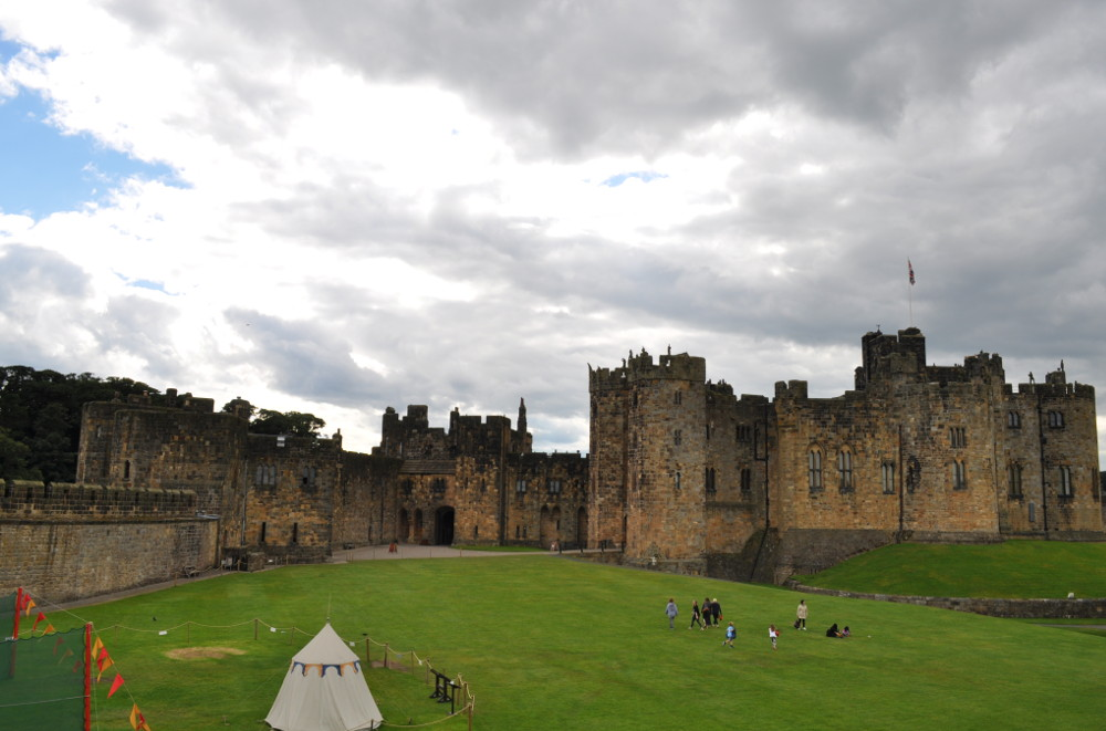 Alnwick Castle, a lovely place to spend the day, near to Joellen Cottage